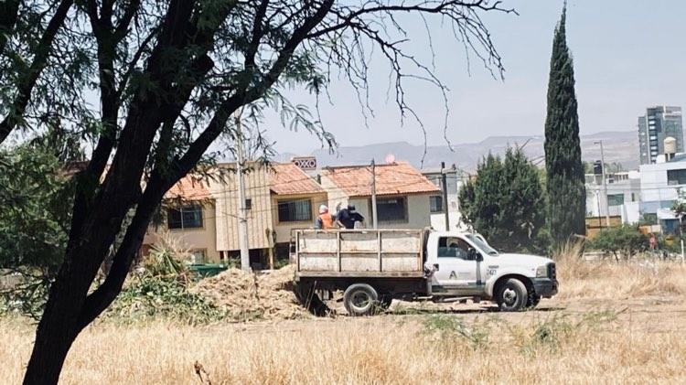 Denuncian tiradero de residuos en predio de Villas de Montenegro