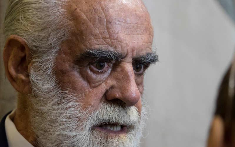 Cevallos presenta denuncia contra AMLO ante la FGR