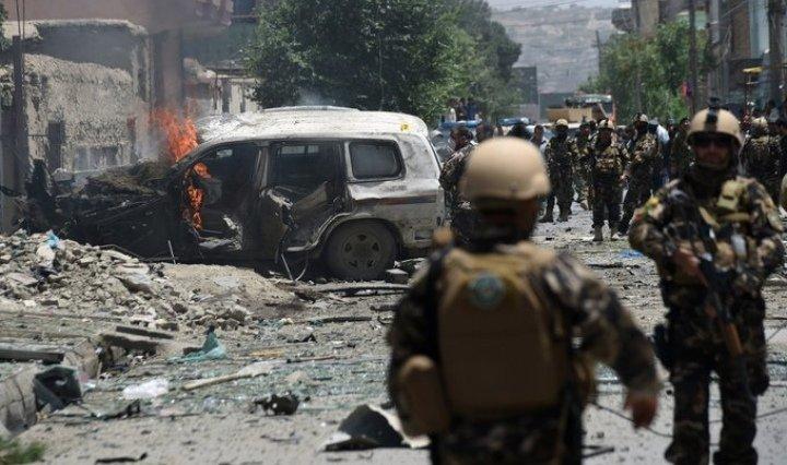 Explosión cerca de una escuela para niñas deja decenas de menores fallecidas en Afganistán