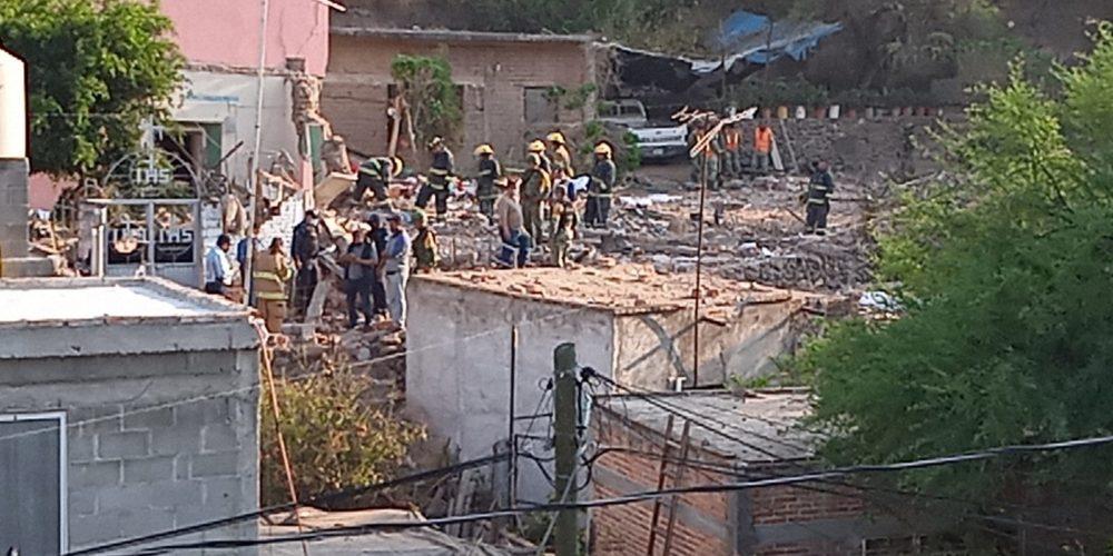 Explosión provoca derrumbe en iglesia en Calvillo y deja 2 mujeres muertas