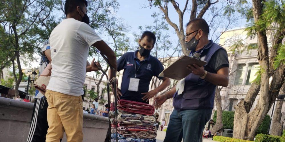 No se extorsionó a vendedor sin permiso en la Plaza de la Patria