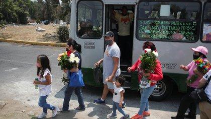 México reporta más de 219 mil muertos por covid