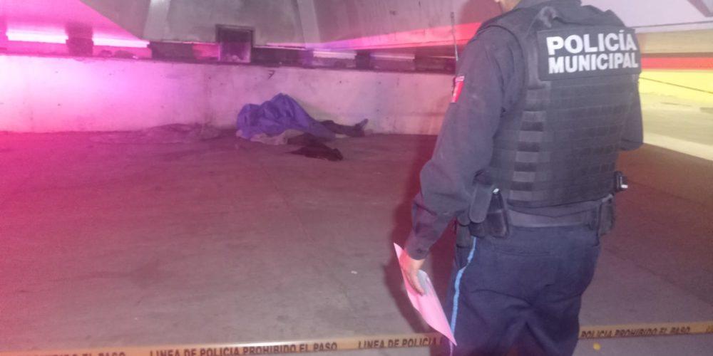 Encuentran a sujeto sin vida bajo un puente en el poniente de Aguascalientes