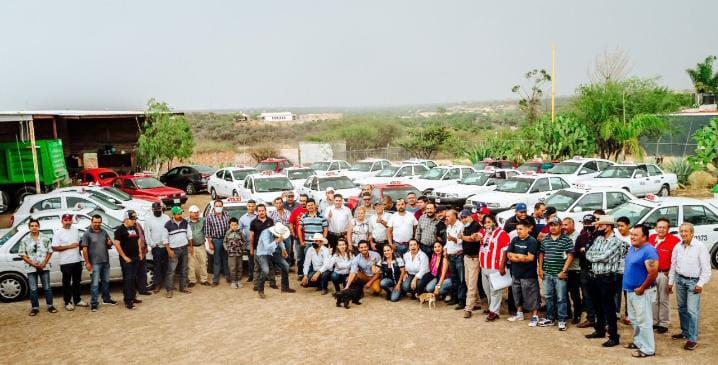 Ricardo Franco ofrece mejorar condiciones de trabajo para taxistas
