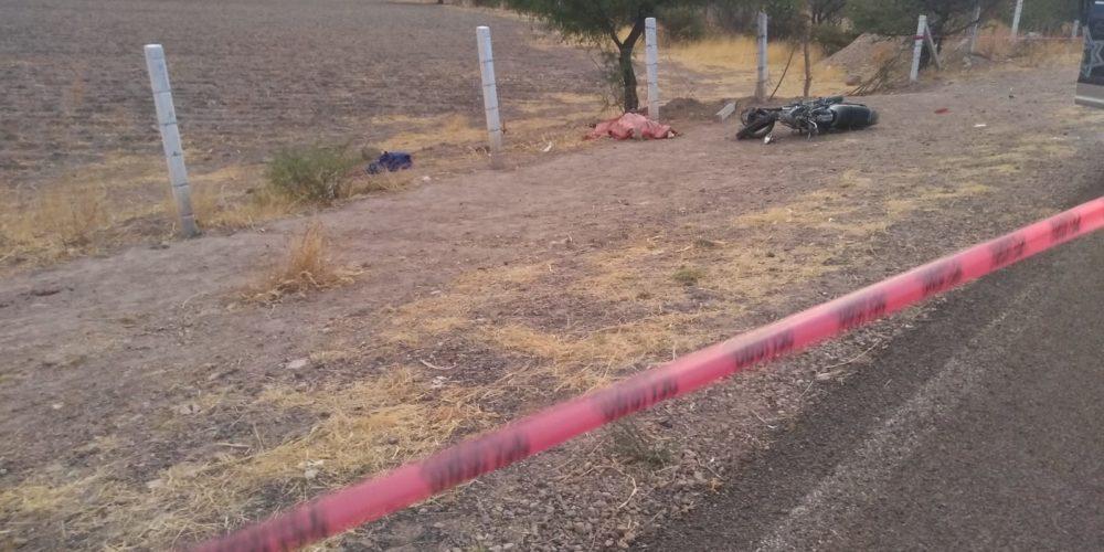 Caída de moto deja 1 muerta y 1 herida en Asientos