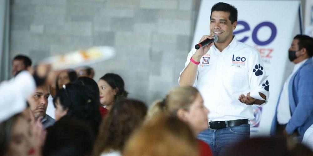 Leo Montañez reconoce la labor de los maestros de Aguascalientes