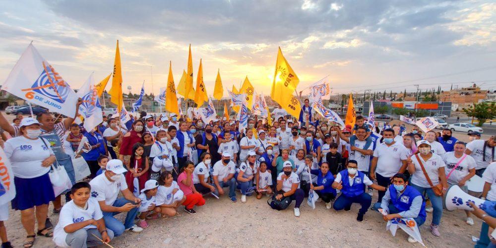 Leo Montañez reafirma su compromiso con vecinos de Villas de Nuestra Señora