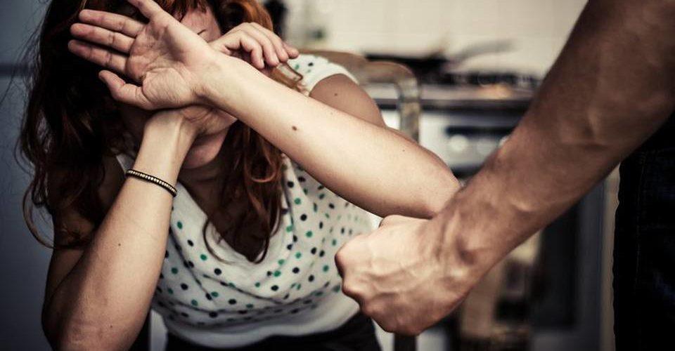 Hasta 5 mujeres al día son víctimas de violencia en Aguascalientes