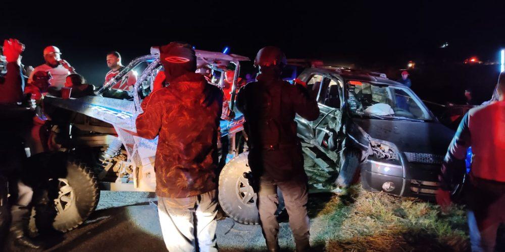Borrachos y a exceso de velocidad en Rzr, chocaron vs 2 autos, quedaron heridos en Aguascalientes