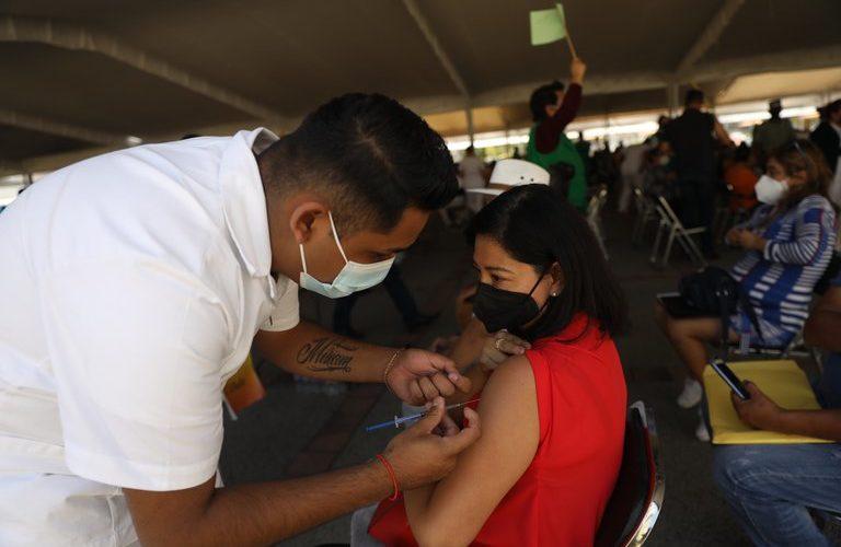 México rebasa las 217 mil defunciones por coronavirus