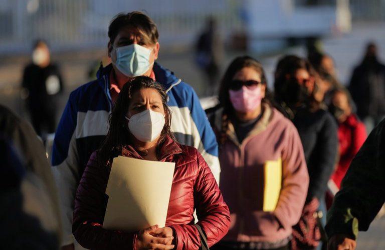 Ssa reporta 217,168 defunciones por covid en México