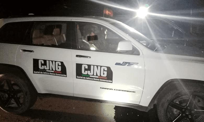 Sicarios del CJNG roban camioneta a candidato en Zacatecas y como burla la rotulan con sus siglas