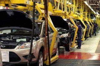 Registra Nissan una baja de producción por falta de componentes electrónicos