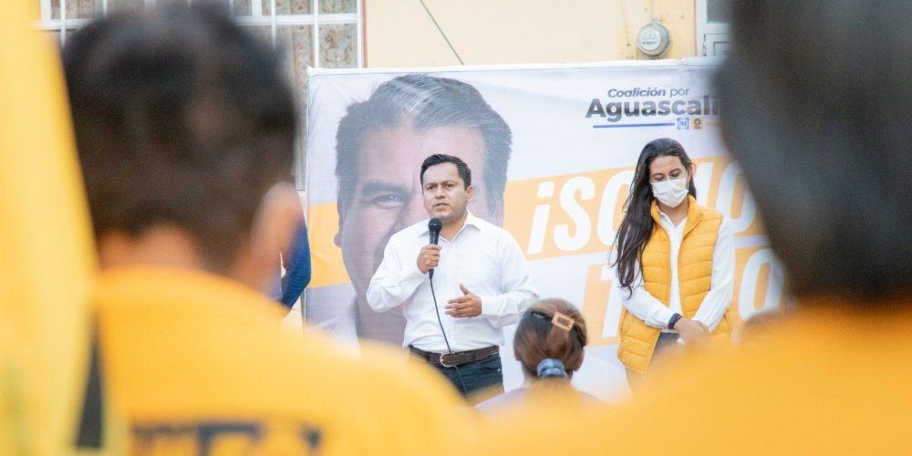 Arnulfo Flores promete gestoría de inserción laboral para personas en rehabilitación por drogas