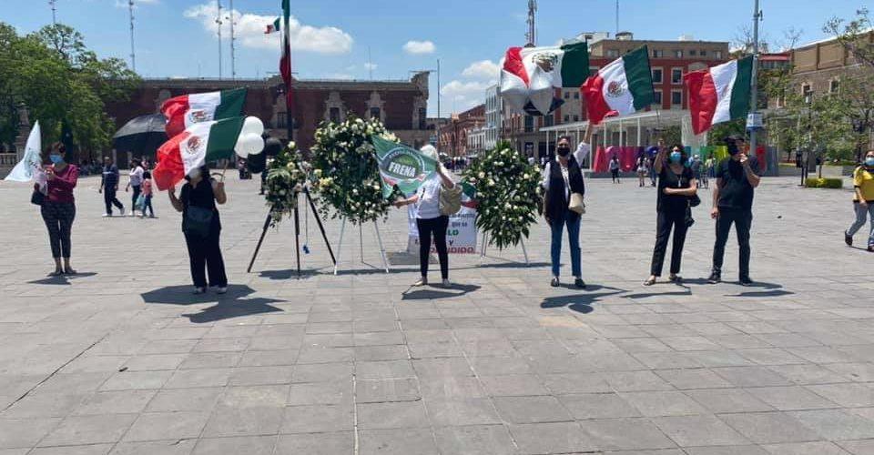 Se manifiesta FRENA en Aguascalientes por tragedia en la línea 12 del Metro