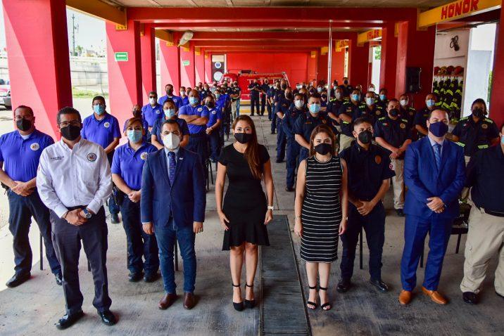 Entregan uniformes a Protección Civil municipal