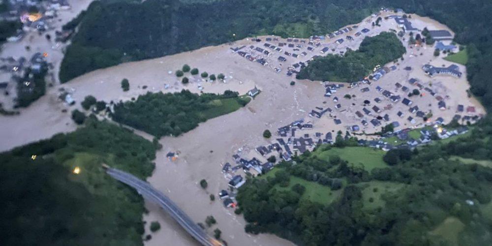 Lluvias azotan y provocan daño y muerte en Alemania y Bélgica