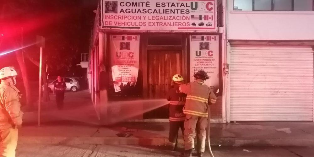Incendian local con bomba molotov en la colonia San Pablo