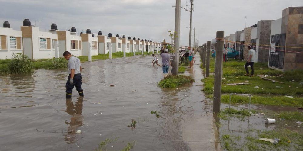 Evacúan a 50 personas por inundaciones en San Francisco de los Romo