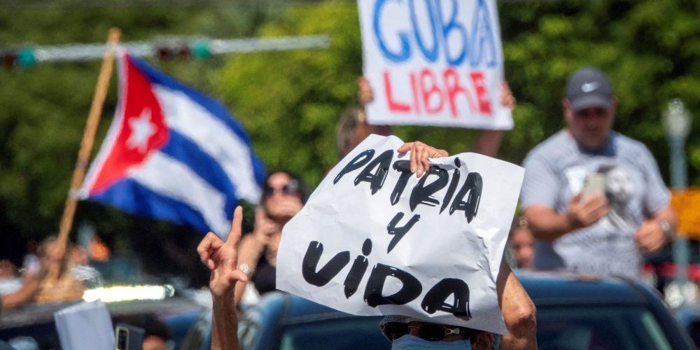 Protestas antigubernamentales en Cuba dejan un muerto