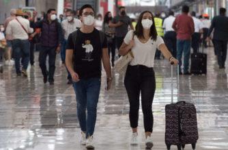 Inglaterra prohíbe ingreso a viajeros provenientes de México, ante riesgo de COVID