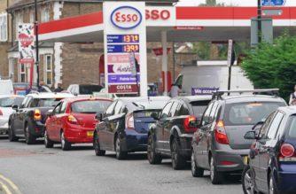 Reino Unido se queda sin combustible por falta de camioneros; se desatan compras de pánico