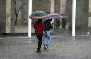 Esta noche, seguirán lluvias en el occidente, centro y sur del país