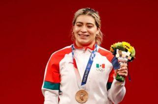 Medallista olímpica denuncia a gobierno de Baja California por darle cheque sin fondos