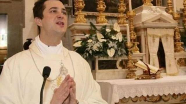 Detienen a sacerdote que usó limosnas para comprar drogas