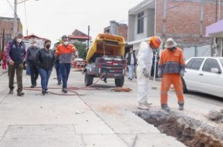 Tras colapso de drenajes, municipio apoya a familias afectadas del Morelos II
