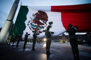 Izan bandera a media asta por víctimas de los sismos de 1985 y 2017