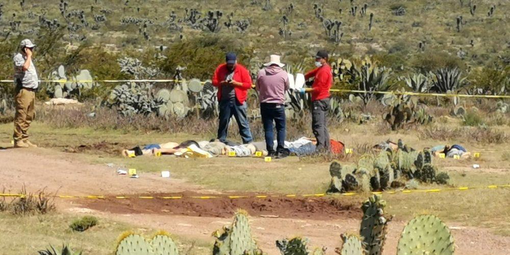 En Zacatecas, hallan 9 cuerpos en camino de terracería