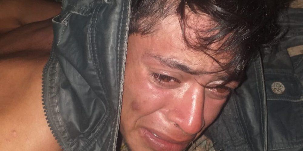 (VIDEO) Choferes de aplicación golpean y desnudan a un asaltante en Aguascalientes