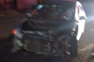 Choque entre vehículo y un camión de carga deja 2 lesionados en Asientos