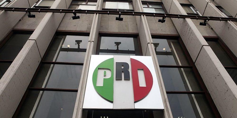 """PRI acusa """"terrorismo fiscal"""" por registro de RFC a partir de los 18 años"""