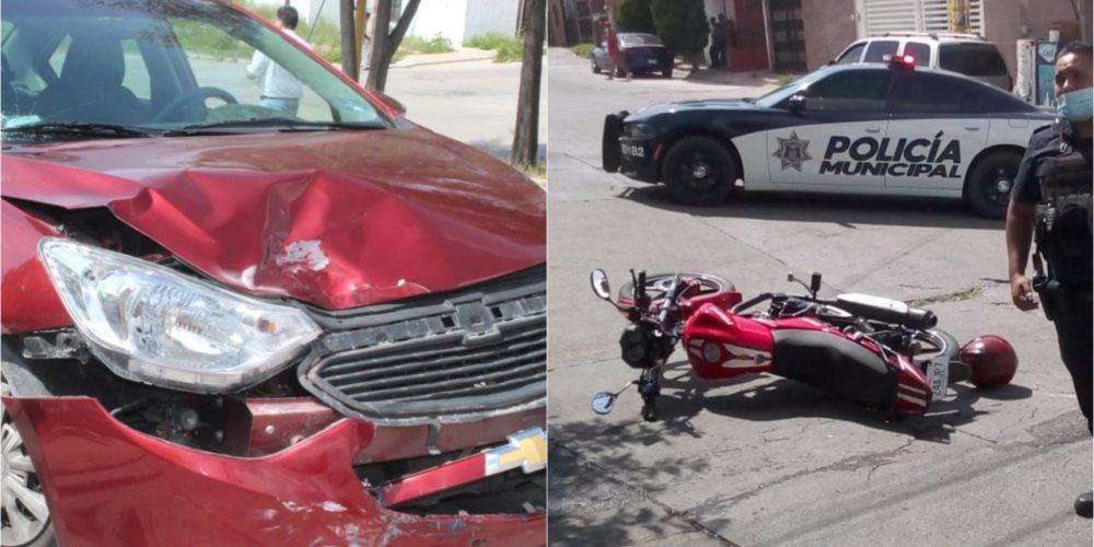 Desigual choque entre un automóvil y una motocicleta deja dos lesionados